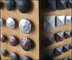 Clavos decorativos tachuelas rusticas clavo forjado for Herrajes para muebles rusticos